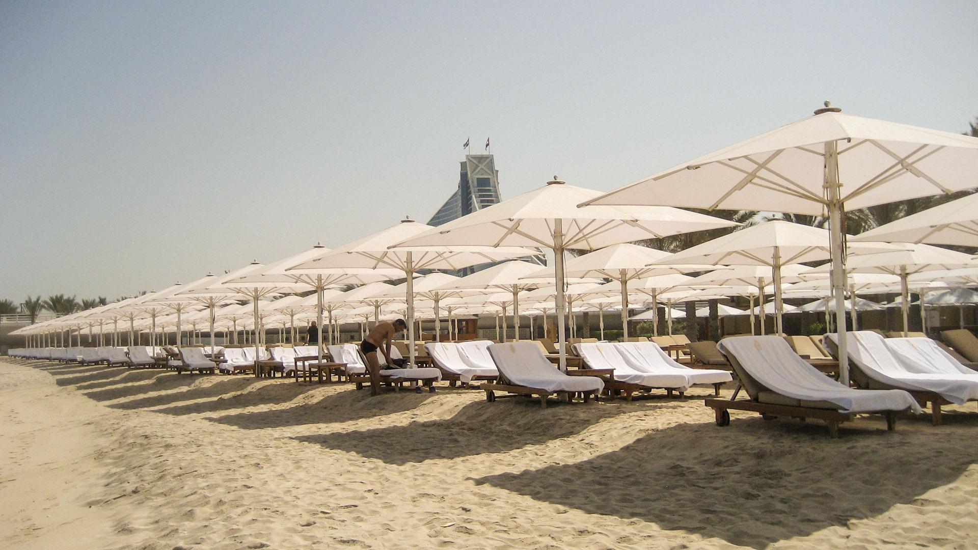 Jumbrella Sonnenschirm - Jumbrella Burj Al Arab Hotel in Dubai - Premium Sonnenschutz Lösung von Bahama